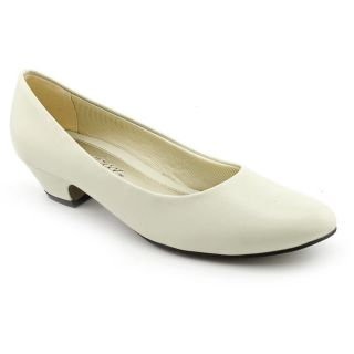 Easy Street Halo Womens Size 7.5 Ivory Narrow Synthetic Pumps