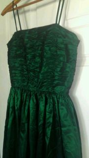 Elisabeth Kerr Emerald Green Evening Dress Prom Bridesmaid Floor