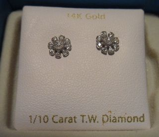 14 K WHITE GOLD DIAMOND STUD EARRINGS 1 10 CARAT WGT DIAMONDS