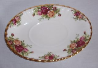 ROYAL ALBERT English OLD COUNTRY ROSES GRAVY BOAT, UNDERPLATE , 1962