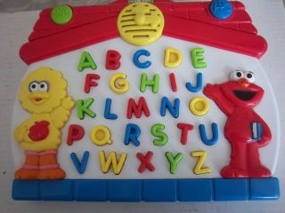 Sesame Street Big Bird Elmo Learn Alphabet Electronic Mattel 1997 Tyco