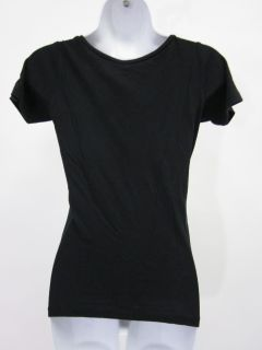 you are bidding on a edun black moon cycle print t shirt top in a size