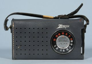 Vintage Zenith Royal 810 Am FM Transistor Radio