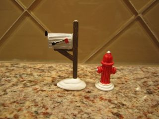 Original Department 56 Snow Village Accessory Fire Hydrant And Mailbox