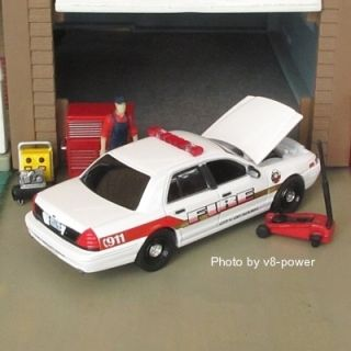 2006 Ford Crown Victoria Nash TX Fire Dept Opening Hood RRs True 1 64