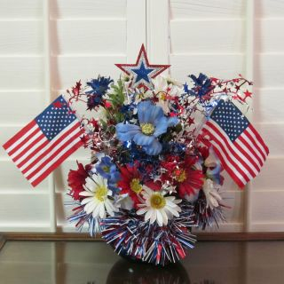 PATRIOTIC,SILK,FLOWER,ARRANGEMENT, FLORAL,CENTERPIECE,AMERICAN FLAGS