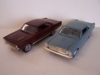 AMT 1965 Ford Galaxie & 1966 Ford Fairlane Hardtop Promos in 1/25th