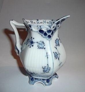 VTG ROYAL COPENHAGEN PORCELAIN Fluted Full Lace BLUE & WHITE CREAMER