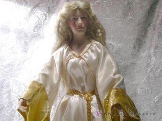 The Rings Galadriel Doll Franklin Mint w Accessories COA in Box