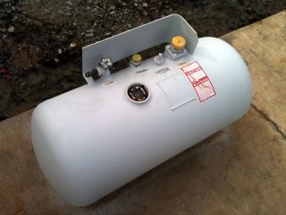 Horizontal 100 lb 29 Gallon Dot Propane LP Auto RV Tank