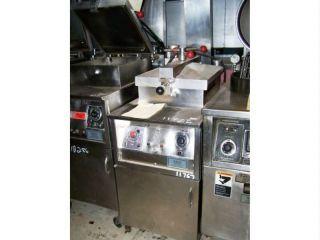 Henny Penny 500 Pressure Fryer w Filter