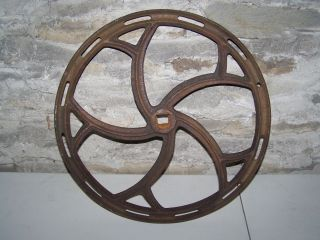 INDUSTRIAL AGE CAST IRON STEAM PUNK FLY WHEEL GEER PULLEY COG BASE