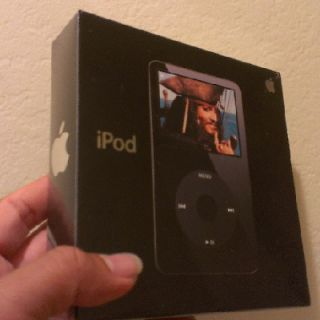 Brand New Factory SEALED Apple iPod Black 30 GB 7500 Songs Capacity