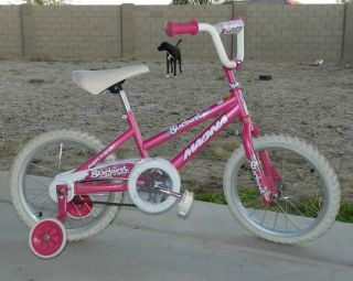 Magna 16 Girls Bike Starburst Pink with Training Wheels Used