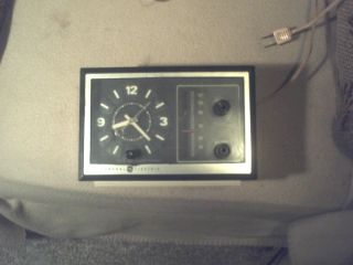 Vintage General Electric Am Clock Radio Works Good Radio Alarm