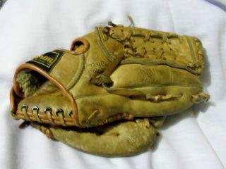 Vintage Wilson A2124 George Brett Endorsed Model Baseball Glove Mitt