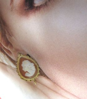 Antique Estate Italy 14k Yellow Gold Teardrop Shape Detailed Cameo