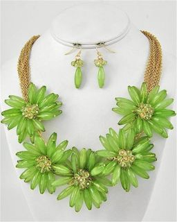 Beaded Green Flower Charm Earring Necklace Set Fashion Costume Jewelry