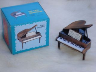 GRAND PIANO Pencil Sharpener Die Cast Metal 2 W x 2 T Great Music Gift