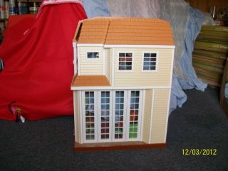 DISNEY HANNAH MONTANA BEACH HOUSE DOLL HOUSE BARBIE SIZE W/ FURNITURE