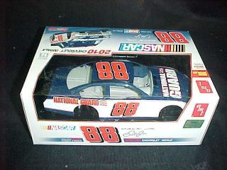 AMT NASCAR Chevrolet Impala 2010 Dale Jr.#88 1/25 scale Car Model Kit