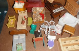 Mixed Lot of Dollhouse Furniture Half Scale and Smaller