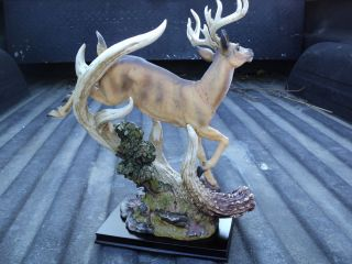 Running Whitetail Deer Buck Figurine Hunting Hunt Wildlife BA8777