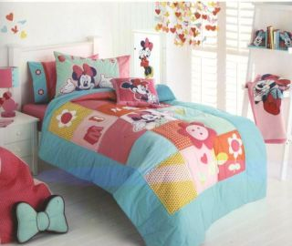 Disney Minnie Mouse Patchwork Coverlet Matching Pillowcase Wall Decals