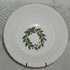 Christmas White Swirl Holly Wreath Scio Serving Bowl