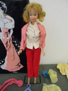 1968 Midge Barbie with 1952 Ponytail barbie case, item is good
