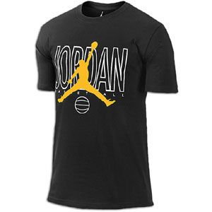 courts and off in the Jordan Outlined T Shirt. Made of 100% cotton (10