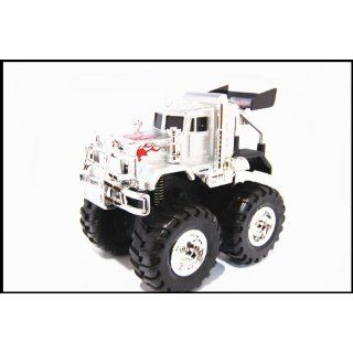 8L 1:32 SCALE DIE CAST METAL 4 WHEEL DRIVE MIGHTY HEAVY