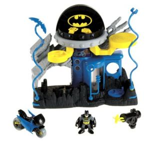 Features of Fisher Price Imaginext Super Friends Bat Command Center