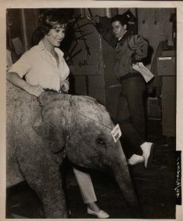 Snapshot on Set Jerry Lewis Jill St John F8715