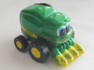 Ertl Diecast Toy John Deere Corn Combine Rolls 3 3 4