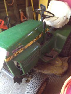 1983 212 John Deere Lawn Tractor with Mower Deck