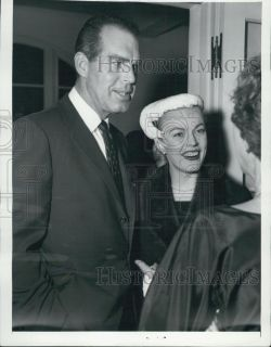 1956 Press Photo Actor Fred McMurray wife June Haver