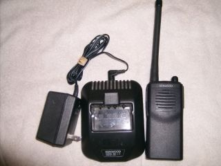 Kenwood TK 2100 TK 2100 VHF 2 Channel Two Way Radio w Battery Charger