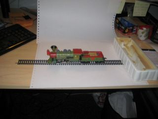 HO Scale Old Time Dickens Railroad Engine and 2 Passenger Cars