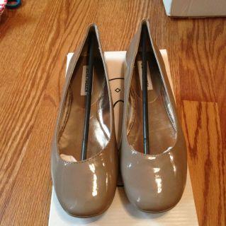 Womens Steve Madden P Ralli Taupe Patent Leather Ballet Flats NIB Size