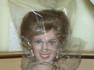 Princess Diana Doll Ashton Drake Diana in Saudi Arabia Porcelain Mint