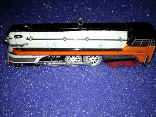 LIONEL TRAIN 1939 Hiawatha Steam Locomotive CHRISTMAS ORNAMENT. NEW