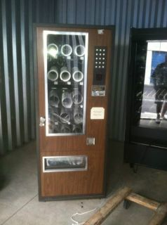 Lance 15 Selection Candy Snack Vending Machine Good Working Condition
