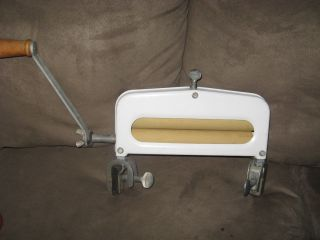 Vintage Old Hand Crank Laundry Clothes Wringer