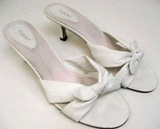Fioni Womens White Crossed Bow Open Toe Sandals Slides Heels Sz Size 9