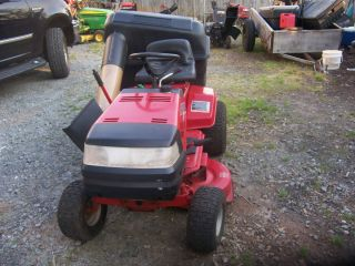 2005 Murray Classic Riding Lawn Tractor Mower 38 in with Bagger 11 H P
