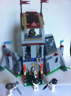 Custom Lego Knights Kingdom Castle with 6 Minifigures