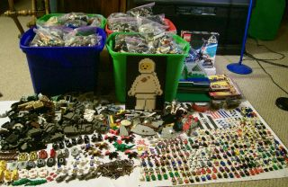 Lego Collection Lot 140 Pounds lbs   220 Minifigs   Old Castle Pirates