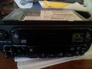 01 DODGE CHRYSLER JEEP OEM AM FM CD & CASSETTE PLAYER RADIO STEREO