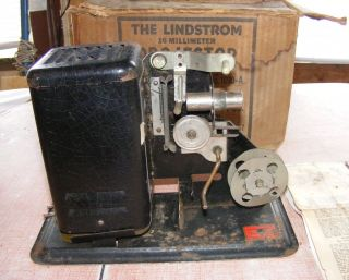 Lindstrom Hand Crank 16mm Movie Projector in Original Box No 1010 A